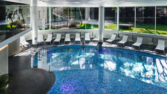 The pool at ANA Wellness & SPA Crowne Plaza Bucharest