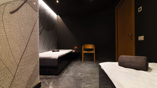 Relaxation zone with waterbeds at ANA Wellness & SPA Crowne Plaza Bucharest